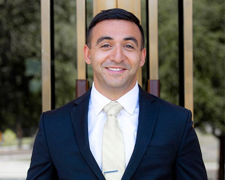 Gabriel Valdasz headshot